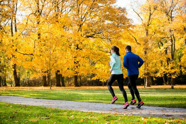 Image: 2 people running