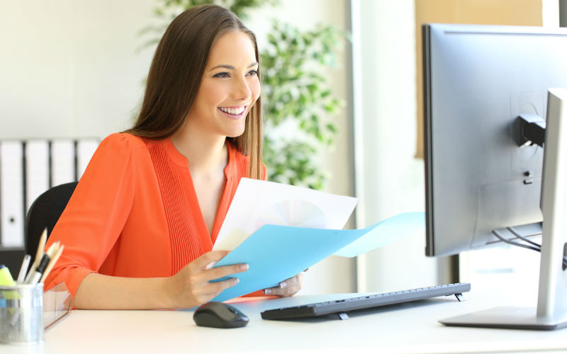 Image: Student Applying for an Internship