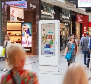 Digital advertising screen in Manchester Arndale Centre